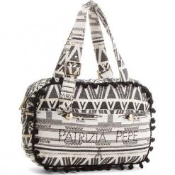 Torebka PATRIZIA PEPE - 2V7743/A3FJ-XS48 Bianco/Nero. Czarne torebki klasyczne damskie marki Patrizia Pepe, ze skóry. W wyprzedaży za 519,00 zł.