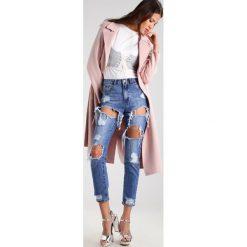 Missguided RIOT Jeansy Slim Fit mid blue. Niebieskie jeansy damskie Missguided. Za 169,00 zł.
