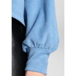 Bluzy rozpinane damskie: Lost Ink Petite FLUFFY SMOCK Bluza light blue