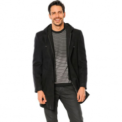 Płaszcz w kolorze czarnym. Czarne płaszcze zimowe męskie marki AVVA, Dewberry, m. Za 379,95 zł.