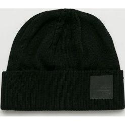 Adidas Originals - Czapka. Czarne czapki zimowe męskie adidas Originals, na zimę, z bawełny. W wyprzedaży za 99,90 zł.