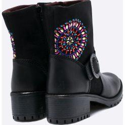 Desigual - Botki Breaker Valkiria. Czarne buty zimowe damskie marki Desigual, z materiału, z okrągłym noskiem. W wyprzedaży za 249,90 zł.