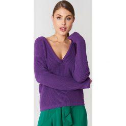 Josefin Ekström for NA-KD Sweter z głębokim dekoltem V - Purple. Fioletowe swetry oversize damskie Josefin Ekström for NA-KD, m, z dzianiny. W wyprzedaży za 97,17 zł.