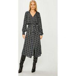 Answear - Sukienka. Szare długie sukienki ANSWEAR, na co dzień, l, z lyocellu, casualowe, z długim rękawem, proste. Za 169,90 zł.