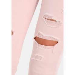 Abercrombie & Fitch Jeans Skinny Fit light pink. Czerwone boyfriendy damskie Abercrombie & Fitch. Za 409,00 zł.