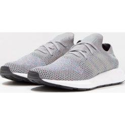 Adidas Originals SWIFT RUN PK Tenisówki i Trampki grey three/grey two/white. Szare tenisówki damskie adidas Originals, z materiału. W wyprzedaży za 342,30 zł.