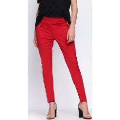 Czerwone Spodnie Chasing Stars. Szare spodnie dresowe damskie marki New Balance, xs, z dresówki. Za 19,99 zł.
