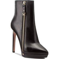Botki ELISABETTA FRANCHI - SA-52L-77E2-V480 Nero 110. Czarne buty zimowe damskie Elisabetta Franchi, ze skóry. W wyprzedaży za 1429,00 zł.