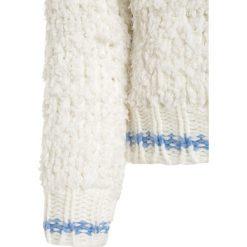 Bench FLUFFY CREW Sweter pristine. Białe swetry chłopięce Bench, z materiału. W wyprzedaży za 135,85 zł.