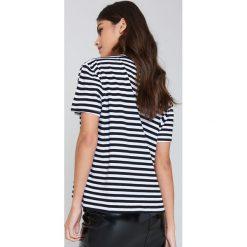 Paski damskie: Kristin Sundberg for NA-KD T-shirt w paski Lips – Black,Multicolor