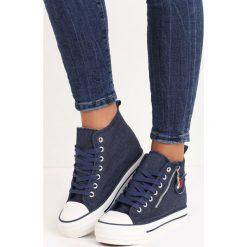 Granatowe Sneakersy Tesera. Niebieskie sneakersy damskie marki Born2be, z denimu. Za 49,99 zł.