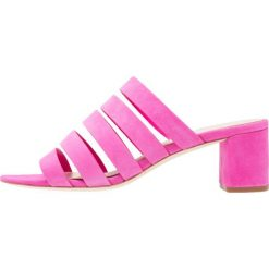 Chodaki damskie: Loeffler Randall FINLEY Klapki ultra pink