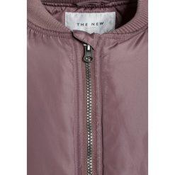 The New ELISSA Płaszcz zimowy woodrose. Białe kurtki chłopięce marki The New, z bawełny. W wyprzedaży za 207,35 zł.