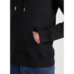 Soulland GUY HOODED WITH LOGO EMBROIDERY  Bluza z kapturem black. Czarne bluzy męskie rozpinane marki Soulland, m, z bawełny, z kapturem. W wyprzedaży za 365,40 zł.