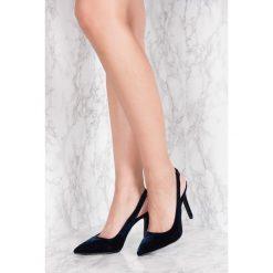 Buty ślubne damskie: NA-KD Shoes Aksamitne czółenka z odkrytą piętą - Blue