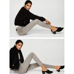 Mango - Jeansy Elektra2. Szare jeansy damskie marki Mango. W wyprzedaży za 99,90 zł.