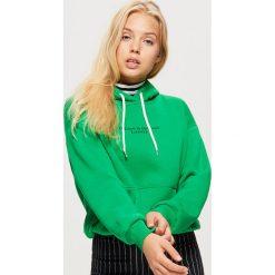 Bluzy damskie: Bluza hoodie z napisem - Zielony