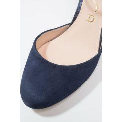 Unisa NIRVANA Czółenka na platformie ocean. Niebieskie buty ślubne damskie marki Unisa, z materiału, na platformie. Za 479,00 zł.