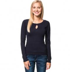 Sweter w kolorze granatowym. Niebieskie swetry klasyczne damskie marki William de Faye, z kaszmiru, z okrągłym kołnierzem. W wyprzedaży za 136,95 zł.
