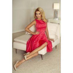 Sukienka żakardowa dłuższy tył sf-175-2. Różowe sukienki asymetryczne marki SaF, na co dzień, xl, z żakardem, z asymetrycznym kołnierzem. Za 189,90 zł.