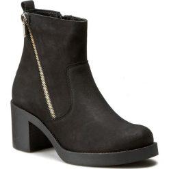Botki WOJAS - 6616-21 Czarny. Czarne buty zimowe damskie Wojas, z nubiku. W wyprzedaży za 269,00 zł.