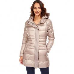 Płaszcz zimowy w kolorze szarobrązowym. Czerwone płaszcze damskie zimowe marki Cropp, l. W wyprzedaży za 272,95 zł.