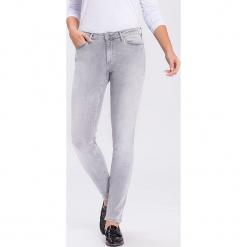 """Dżinsy """"Alan"""" - Skinny fit - w kolorze jasnoszarym. Szare rurki damskie marki Cross Jeans, z aplikacjami. W wyprzedaży za 113,95 zł."""