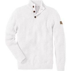 Sweter Slim Fit bonprix biel wełny. Białe swetry klasyczne męskie bonprix, l, z aplikacjami, z wełny. Za 99,99 zł.
