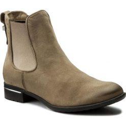 Sztyblety CARINII - B2412 681-000-POL-769. Brązowe buty zimowe damskie Carinii, z materiału. W wyprzedaży za 209,00 zł.