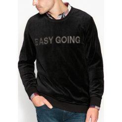 Bluzy męskie: Bluza welurowa z napisem