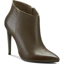 Botki CARINII - B3220 I45-000-PSK-A49. Zielone buty zimowe damskie Carinii, ze skóry. W wyprzedaży za 199,00 zł.
