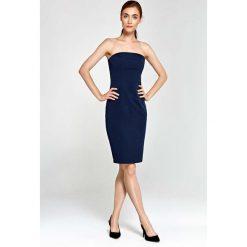 Granatowa Sukienka Wieczorowa Ołówkowa Tuba z Odkrytymi Ramionami. Niebieskie sukienki balowe marki Reserved, z odkrytymi ramionami. W wyprzedaży za 111,93 zł.