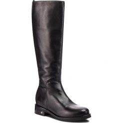 Oficerki NESSI - 18410 Czarny 1. Czarne buty zimowe damskie marki Nessi, ze skóry, na obcasie. W wyprzedaży za 349,00 zł.
