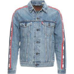 Levi's® SPORTSWEAR TRUCKER Kurtka jeansowa bench points. Niebieskie kurtki męskie jeansowe marki Reserved, l. Za 399,00 zł.