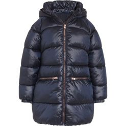 Next Płaszcz zimowy blue. Niebieskie płaszcze dziewczęce Next, na zimę, z materiału. W wyprzedaży za 167,40 zł.