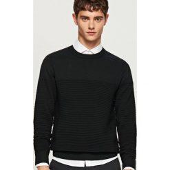Prążkowany sweter - Czarny. Czarne swetry klasyczne męskie Reserved, l, prążkowane. Za 119,99 zł.
