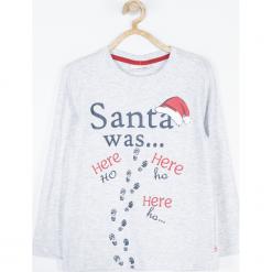 Koszulka. Czerwone t-shirty chłopięce z długim rękawem Merry Christmas, z nadrukiem, z bawełny. Za 45,90 zł.