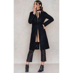 Płaszcze damskie pastelowe: NA-KD Wełniany płaszcz bez kołnierza - Black