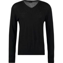 Tiger of Sweden RAEL  Sweter black. Brązowe swetry klasyczne męskie marki Tiger of Sweden, m, z wełny. W wyprzedaży za 344,25 zł.