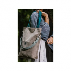 Duża szara zamszowa torba turkusowe miętowe paski. Niebieskie torebki klasyczne damskie marki Karolina audycka, w paski, z zamszu, duże, zamszowe. Za 189,00 zł.