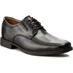Półbuty CLARKS - Tilden Walk 261103107 Black Leather. Czarne buty wizytowe męskie Clarks, z materiału. W wyprzedaży za 199,00 zł.