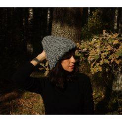 Czapki damskie: Szara czapka hand made z wełną Alpaka
