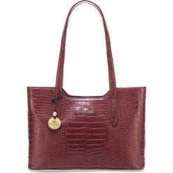Torebka damska 15-4-056-2. Czerwone torebki klasyczne damskie marki Wittchen, z tłoczeniem. Za 749,00 zł.