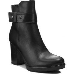 Botki LASOCKI - 7471-01 Czarny. Czarne buty zimowe damskie Lasocki, ze skóry, na obcasie. Za 249,99 zł.