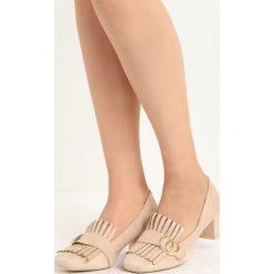 Beżowe Czółenka Nigella. Brązowe buty ślubne damskie marki Born2be, z aplikacjami, ze skóry, na niskim obcasie, na słupku. Za 69,99 zł.