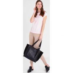 Mint&berry Torba na zakupy black. Czarne shopper bag damskie marki mint&berry. W wyprzedaży za 220,35 zł.