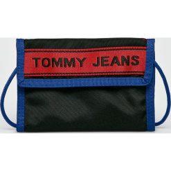 Tommy Jeans - Portfel. Czarne portfele damskie Tommy Jeans, z jeansu. Za 179,90 zł.
