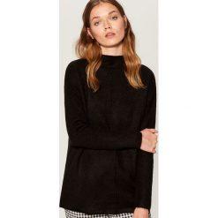 Sweter oversize z domieszką wełny - Czarny. Czarne swetry oversize damskie Mohito, l, z wełny. Za 119,99 zł.