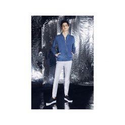 Bluza jeansowa aka Jeans Bomber Jacket Błękitna. Szare bluzy męskie rozpinane marki Button. Za 279,00 zł.