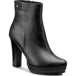 Botki MACCIONI - 452 Czarny. Czarne buty zimowe damskie Maccioni, z materiału, na obcasie. W wyprzedaży za 269,00 zł.